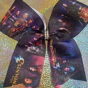 Descendants 3 hair bow